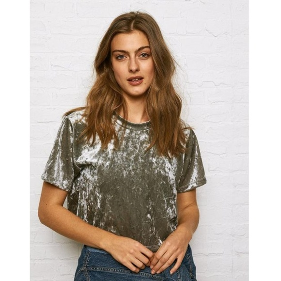 0d8941dca22a0c American Eagle Outfitters Tops - AE Metallic Don t Ask Why Velvet T-shirt